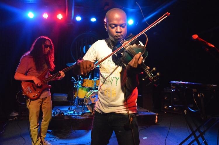 Photo of The Mad Violinist en un concierto íntimo by @SoldoutPanama