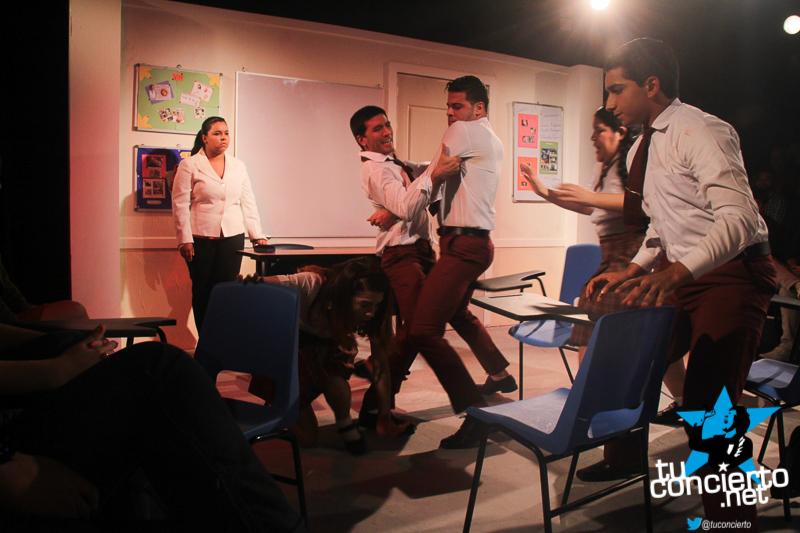 "Photo of Obra de teatro ""Descarriados"""