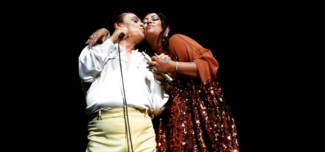 Photo of India y Juan Gabriel unen sus voces
