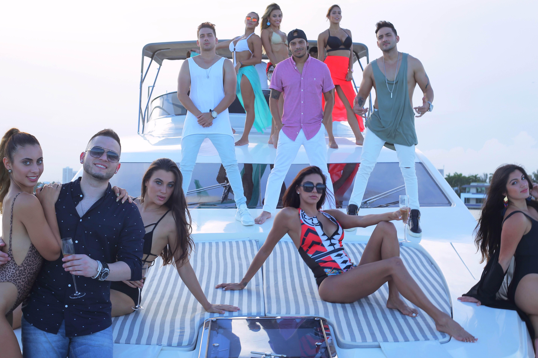 Photo of El dueto cubano Boni & Kelly regresan con»No te Cambio por Ninguna»
