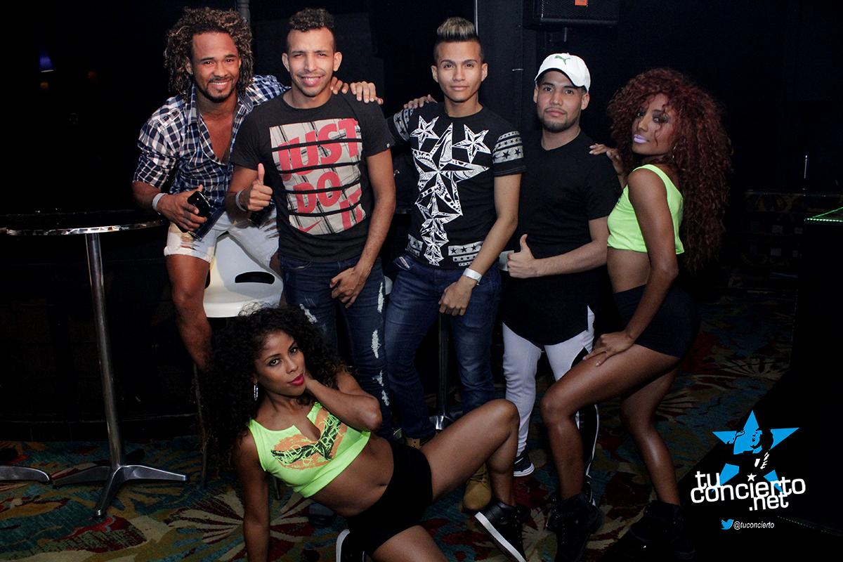 Photo of Viernes de GL Bar & Lounge
