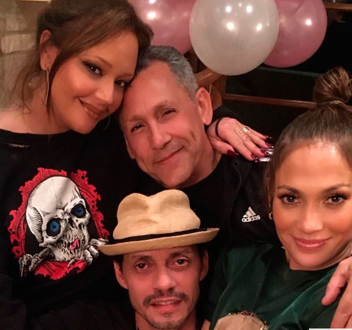 Photo of JLo y Marc Anthony celebran el cumple de sus hijos