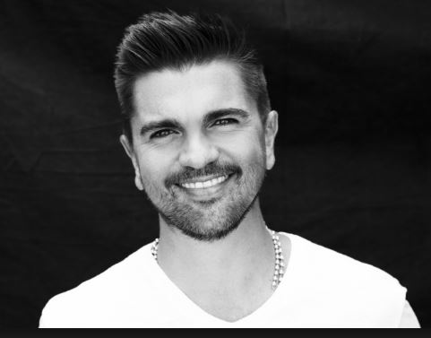 Photo of Juanes estrena vídeo oficial de`Hermosa Ingrata´