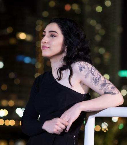 Photo of Emily Estefan hace debut a su primer álbum Take Whatever You Want
