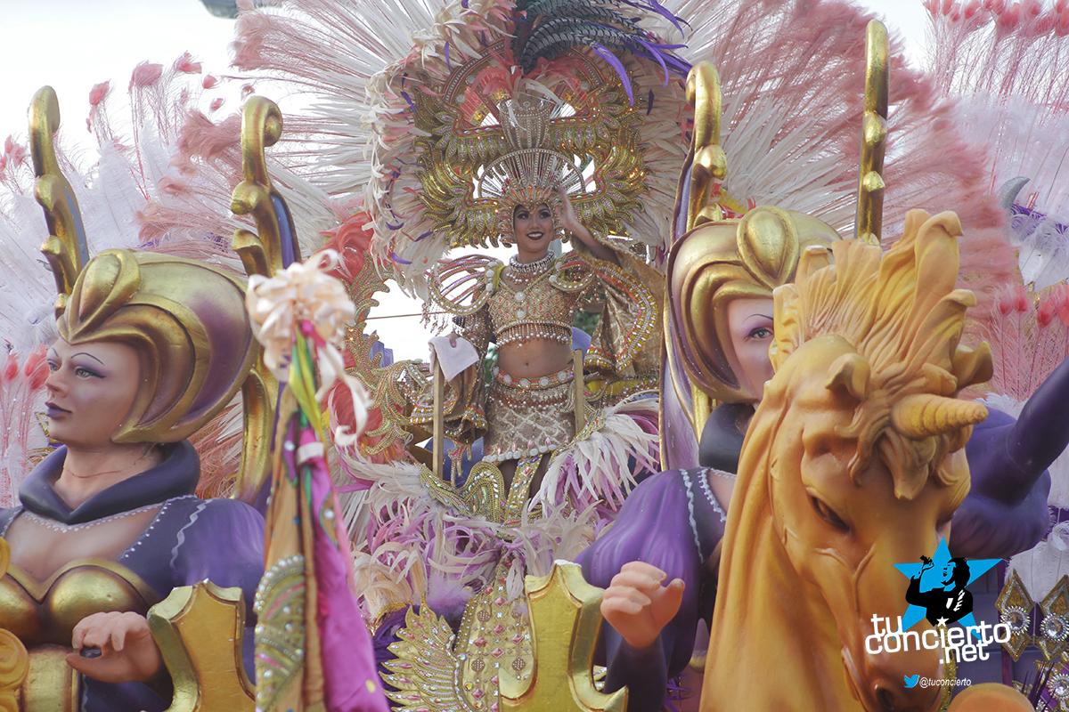 Photo of La Cinta Costera vivió su Carnaval en mayo con el Desfile de Reinas