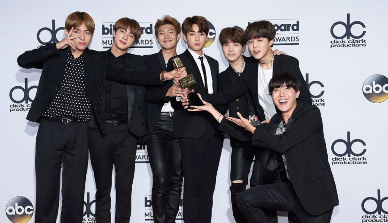 Photo of BTS destrona a Justin Bieber y se convierte en el primer grupo K-Pop en ganar un Billboard