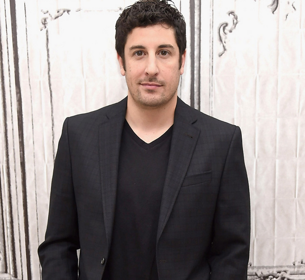 Photo of El actor Jason Biggs celebra su cumpleaños N° 39