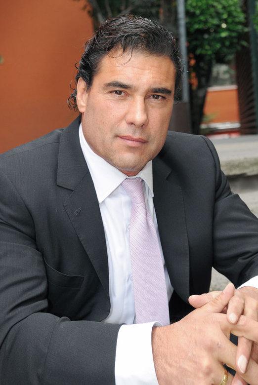 Photo of El actor mexicano Eduardo Yáñez recibe fuertes acusaciones