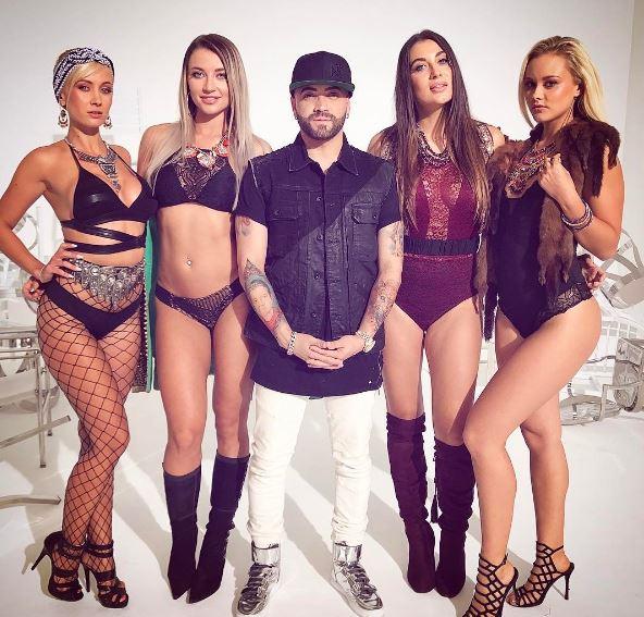 Photo of Nacho recibió galardón en los premios Heat Latin Music Awards