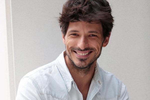 Photo of Andrés Velencoso es la nueva estrella de Netflix