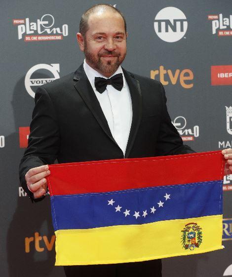 Photo of Miguel Ferrari en el desfile de los IV Premios Platino