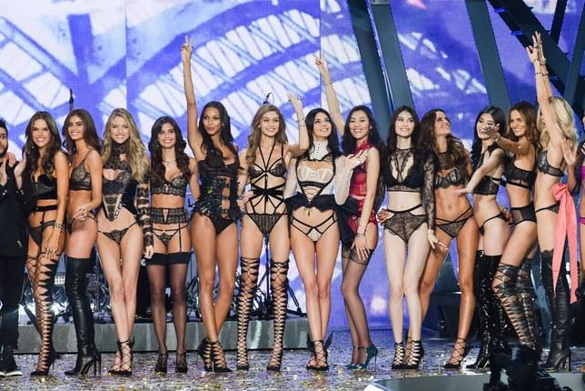 Photo of Las 14 esculturales modelos que protagonizarán el desfile anual de Victoria's Secret