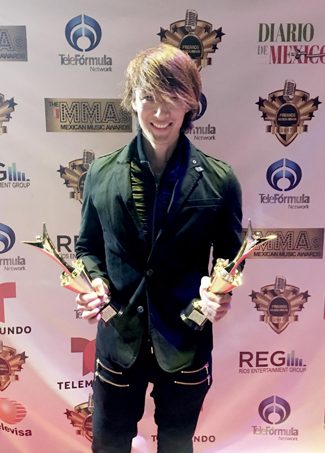 Photo of Wilson Ching se consagro con dos galardones en 'Premios Música Urbana NYC 2017'