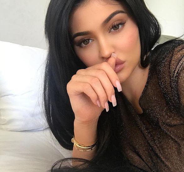 Photo of Kylie Jenner al parecer esta embarazada de su primer hijo