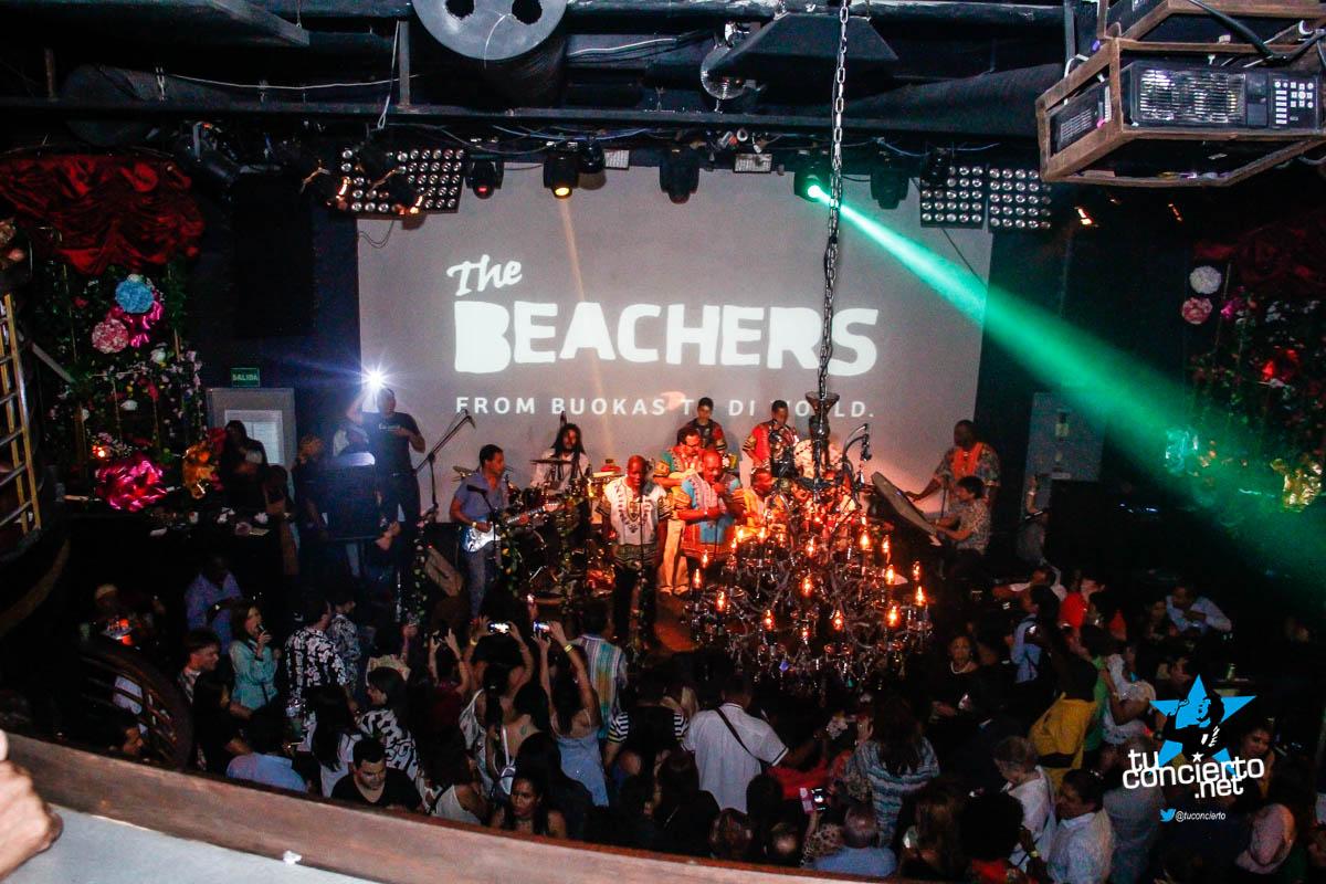 Photo of Noche con los Beachers