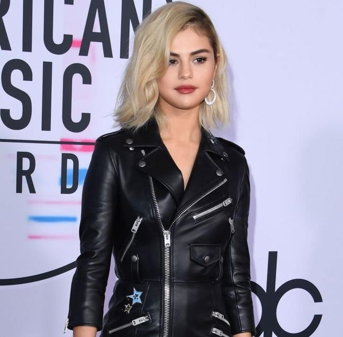 Photo of Selena Gómez hizo un radical cambio de look