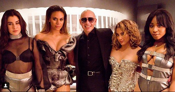 Photo of Pitbull junto a Fifth Harmony estrenan 'Por Favor'