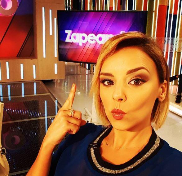 Photo of Chenoa estuvo presente en el programa 'Zapeando'
