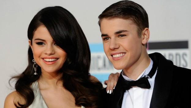 Photo of Justin Bieber y Selena Gómez con un beso que vuelven a estar juntos