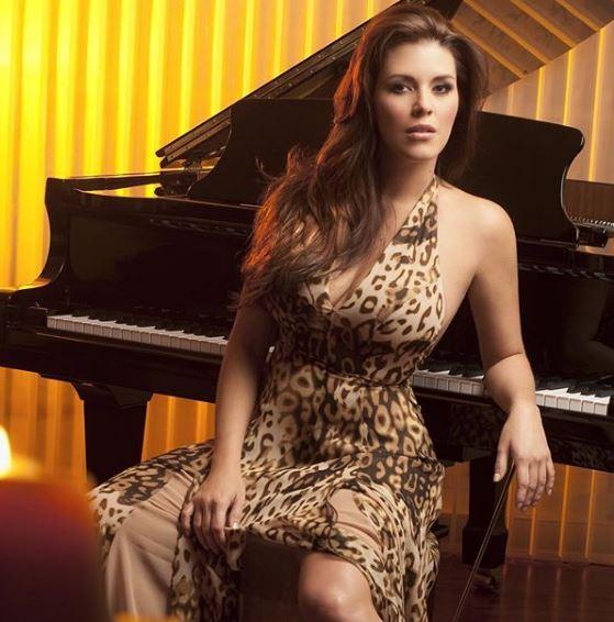 Photo of Alicia Machado muestra sus senos