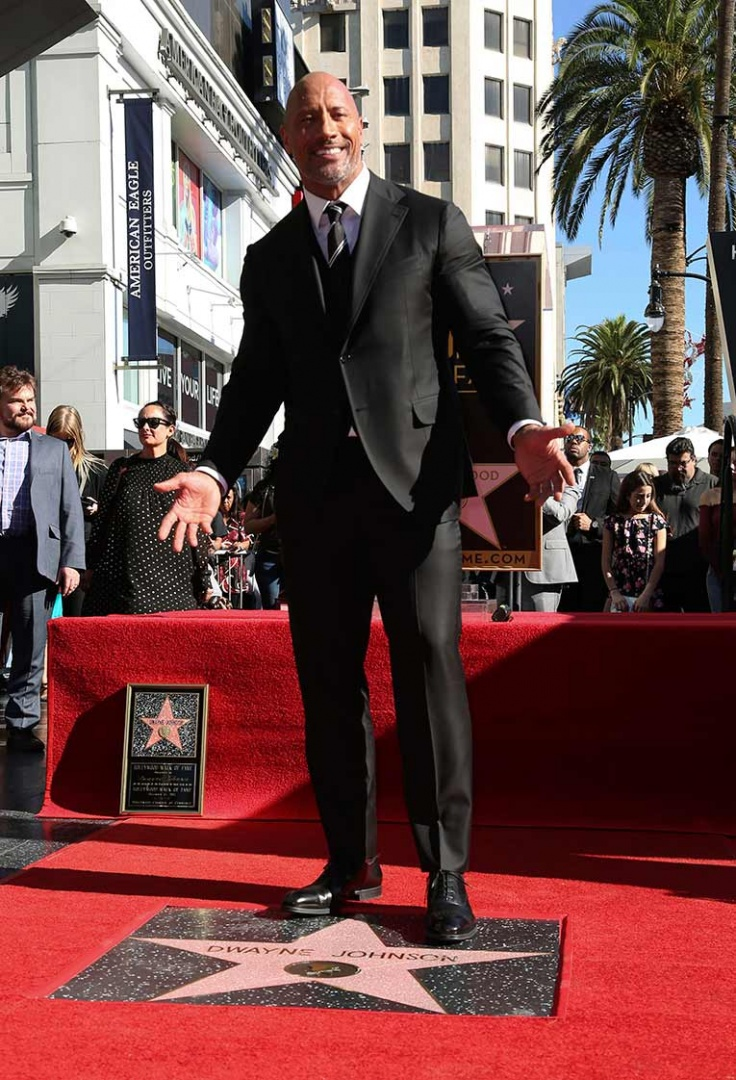 Photo of Dwayne Johnson recibió su estrella en el Paseo de la Fama de Hollywood