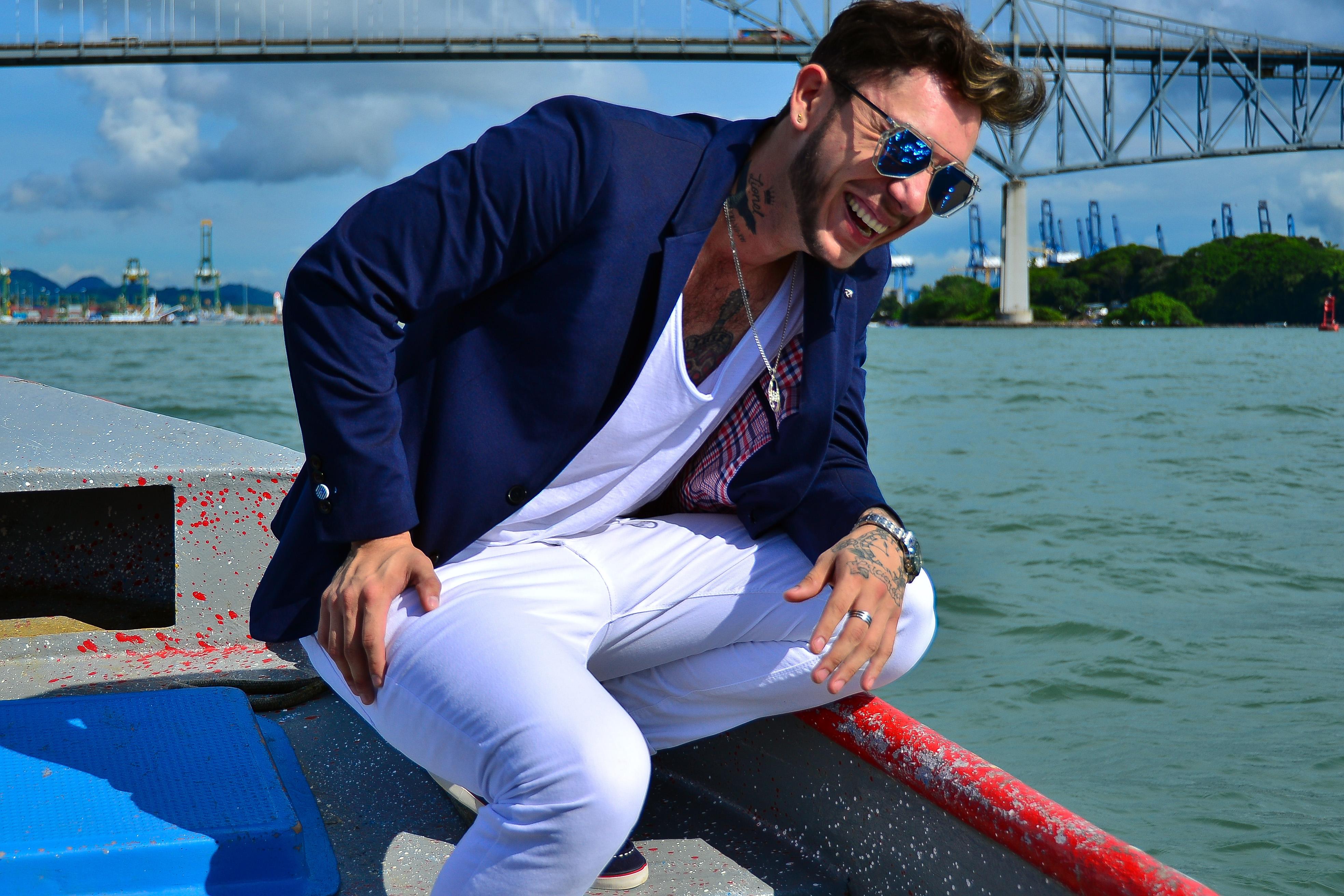 """Photo of Lucciano Vozz promociona su primer sencillo """"Loca"""" en Panamá"""