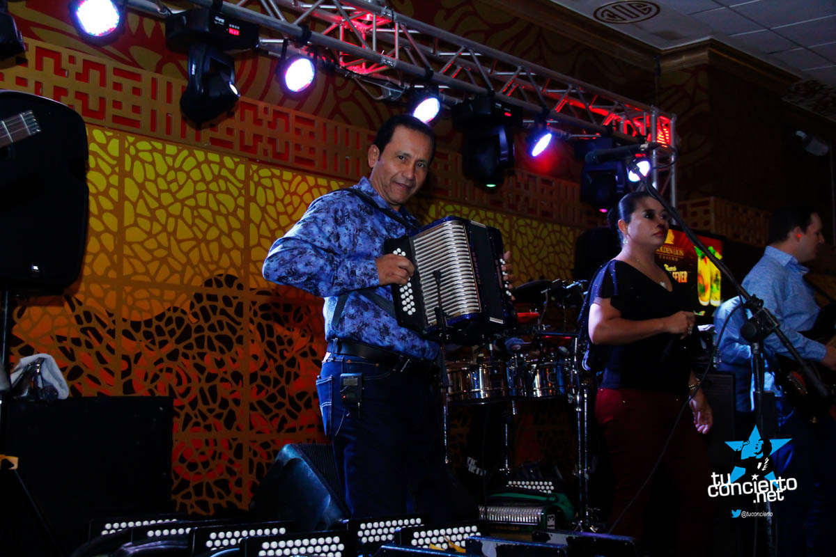 Photo of Nenito Vargas y su conjunto en Golden Lion Casino