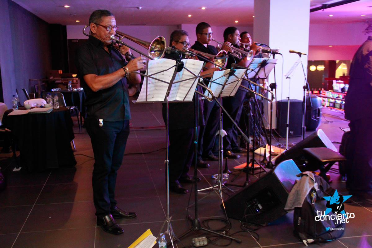 Photo of Rumba pre Navideña con Roberto Delgado y Orquesta
