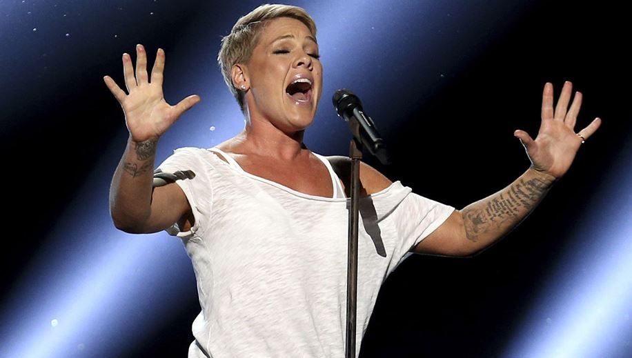 Photo of Pink estrena el vídeo 'Wild Hearts Can't Be Broken'