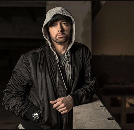 Photo of Eminem lanza el tras cámara de 'Walk On Water'