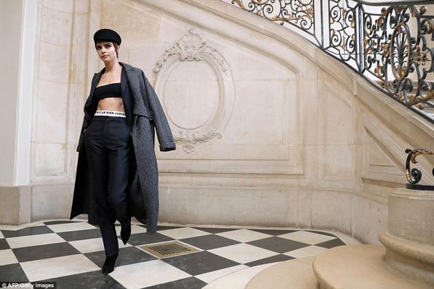 Photo of Cara Delevingne se convierte en una de las musas de Dior