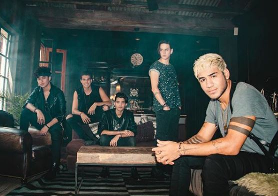 Photo of CNCO estrena 'Fiesta en Mi Casa'