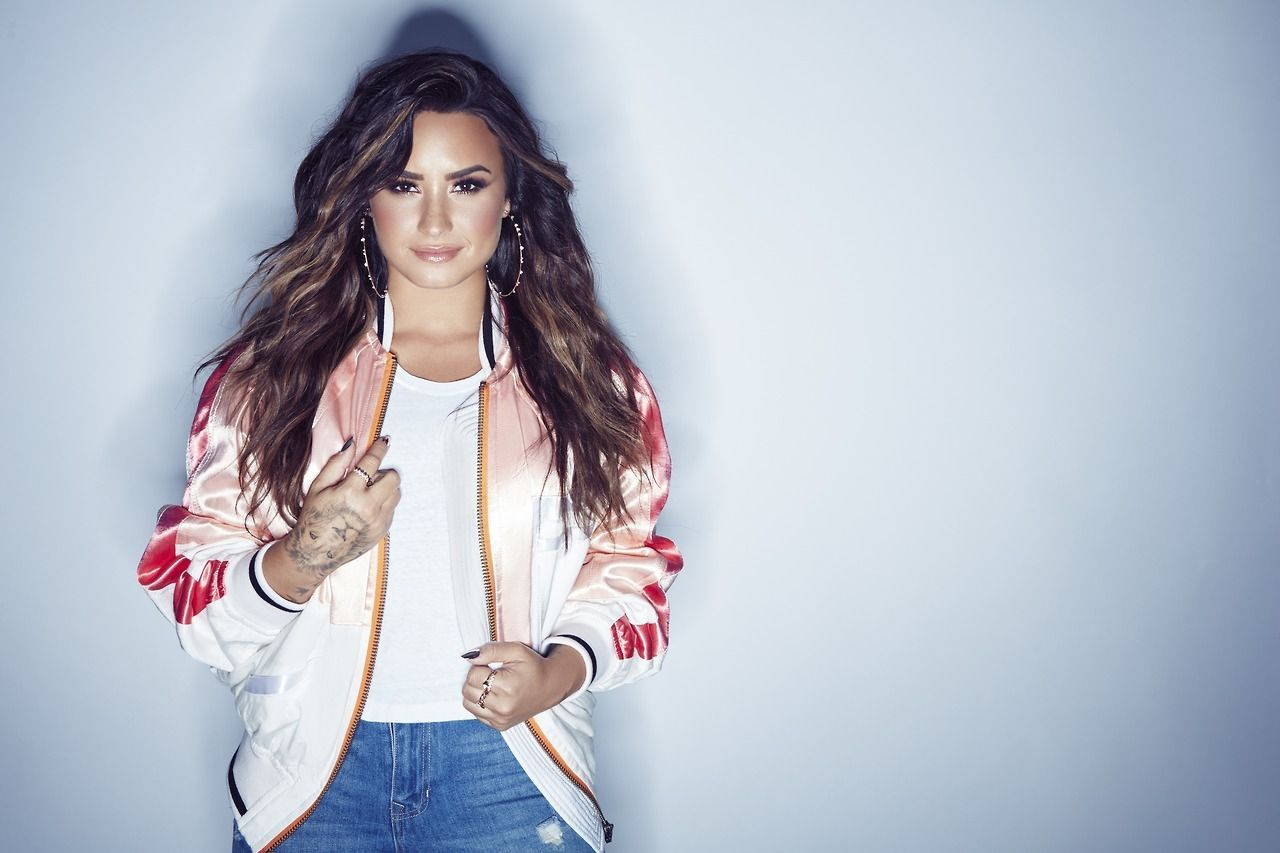 demi_lovato_photoshoot_for_sorry_not_sorry_july_2017_5