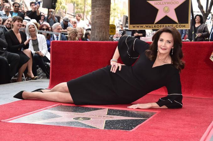 Photo of Lynda Carter recibe estrella en Hollywood