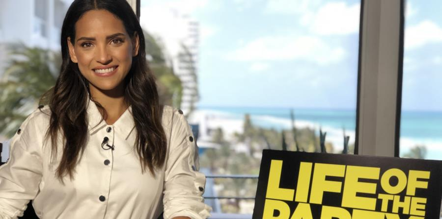 Photo of Adria Arjona estrena «Life of the Party»