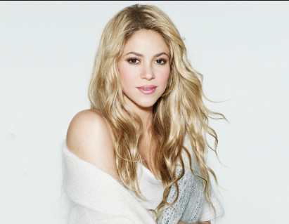 Photo of Shakira recibe elogios al posar sin maquillaje