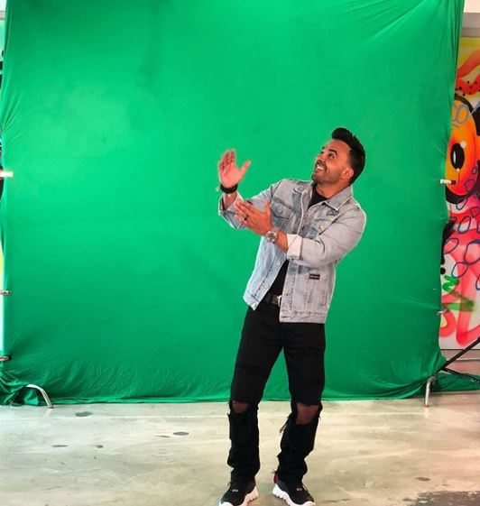 Photo of Luis Fonsi presenta 'Calypso'