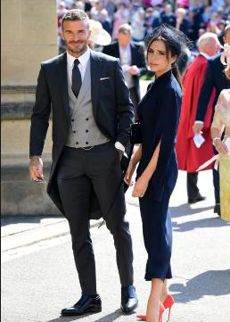 Photo of David y Victoria Beckham donarán sus atuendos de la boda real
