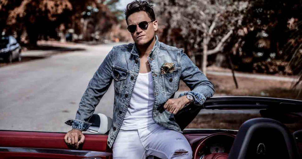 Photo of Silvestre Dangond estrena «Regalame una Noche»