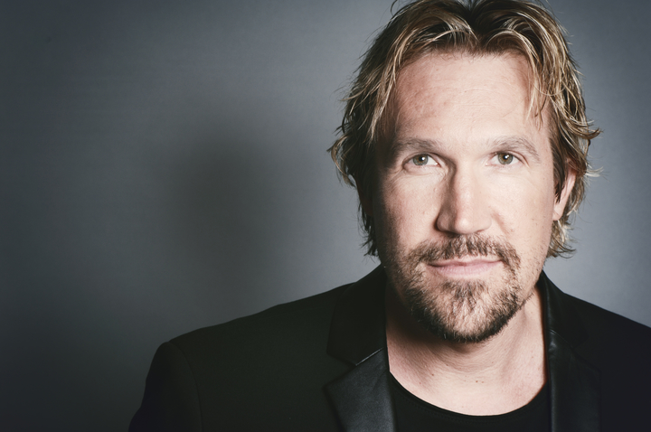 Photo of El actor de cine David A. R. White de visita en Panamá