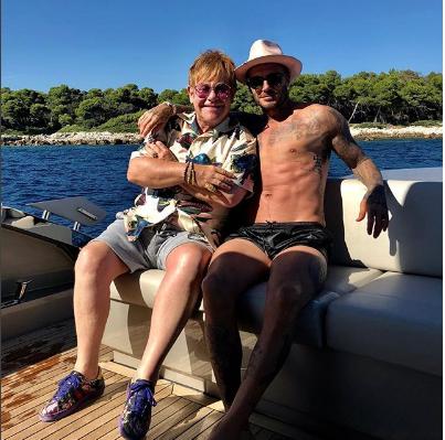 Photo of David Beckham revoluciona las redes con sus vacaciones junto a Elton John
