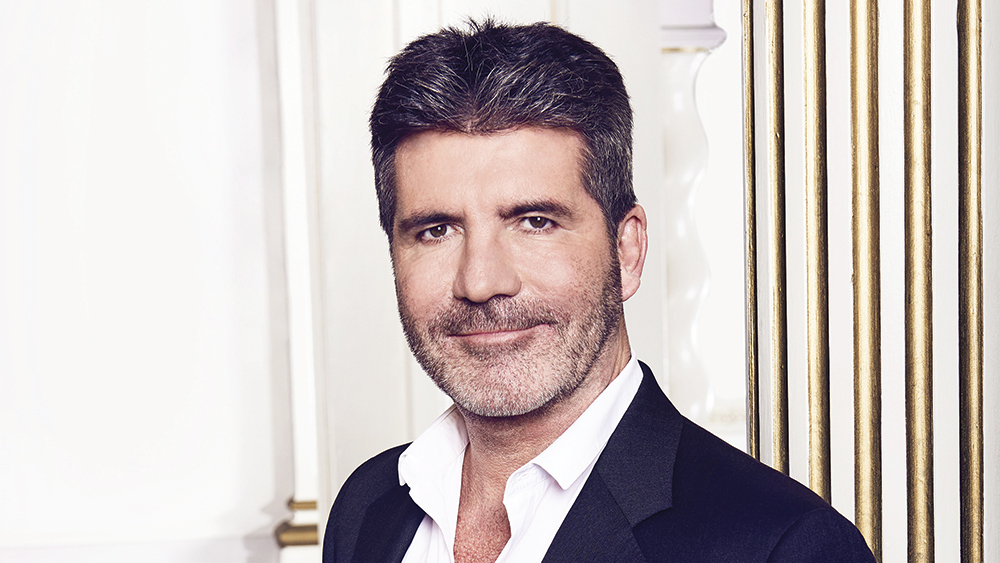 Photo of Simon Cowell recibe estrella en el Paseo de la Fama