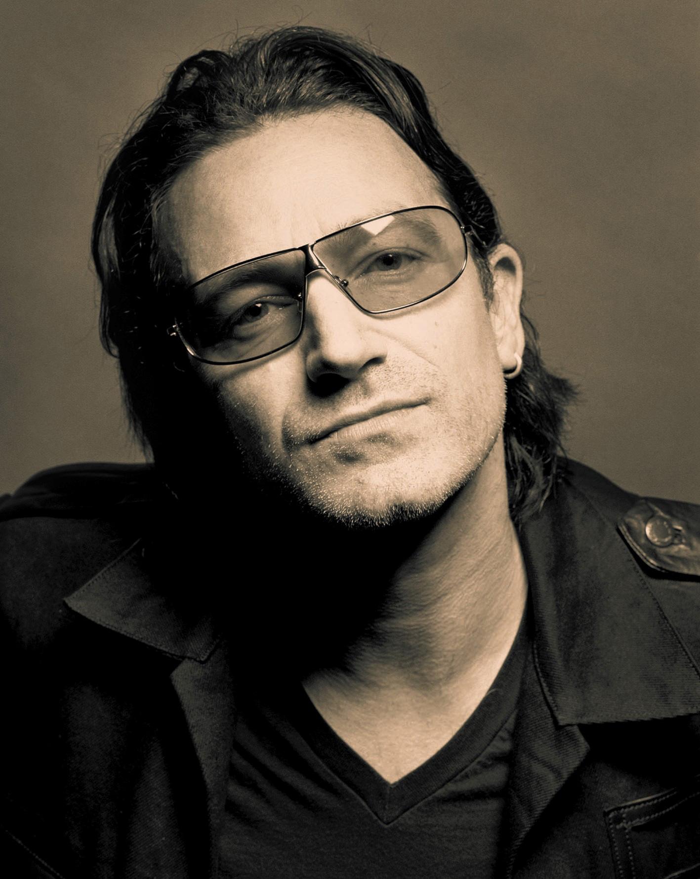 Photo of El cantante Bono pierde la voz en concierto de U2 en Berlín