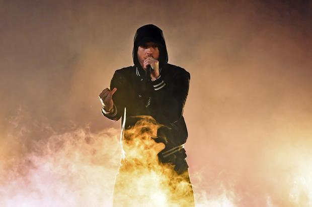 Photo of Eminem rompe récord del hit-parade británico con su álbum «Kamikaze»