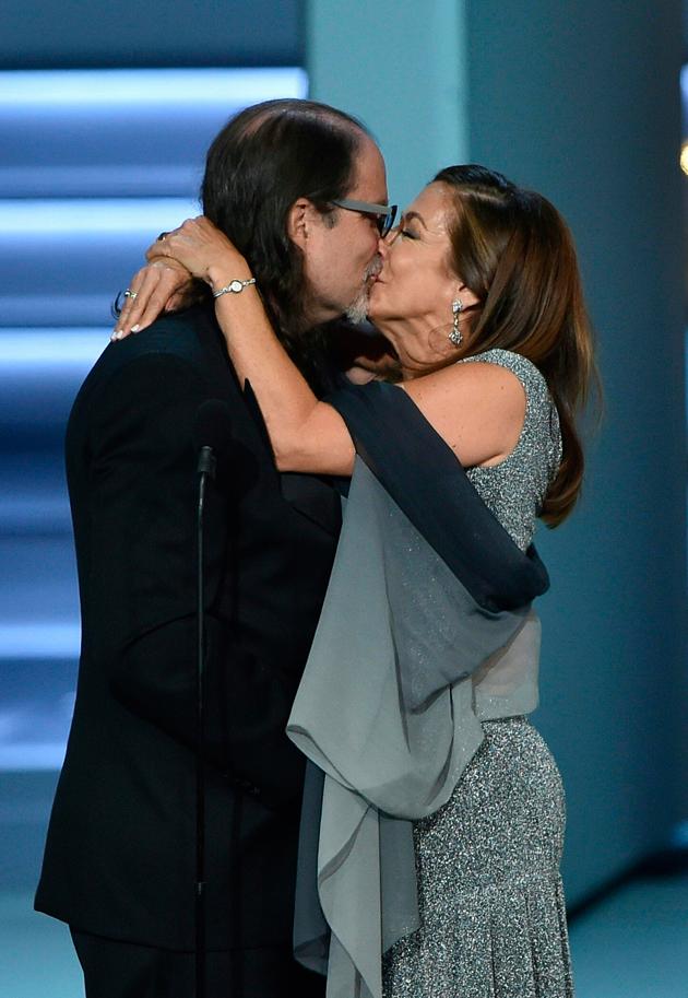 Photo of En Los Emmy tambien hubo propuesta de matrimonio