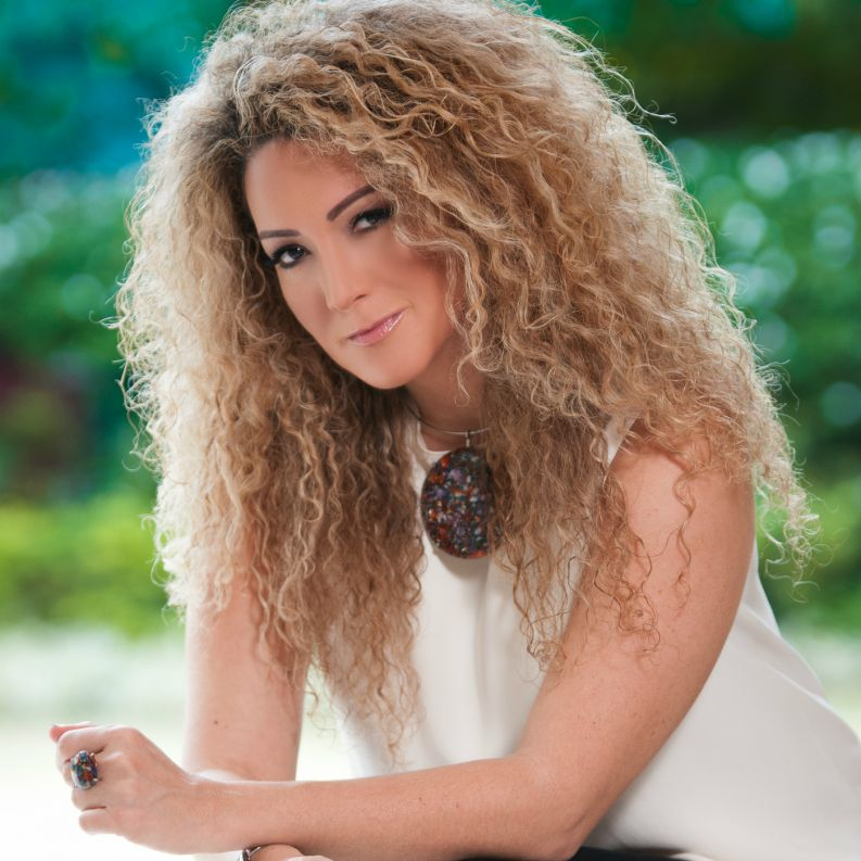 Photo of Erika Ender galardonada como 'Compositora del Año' en Colombia