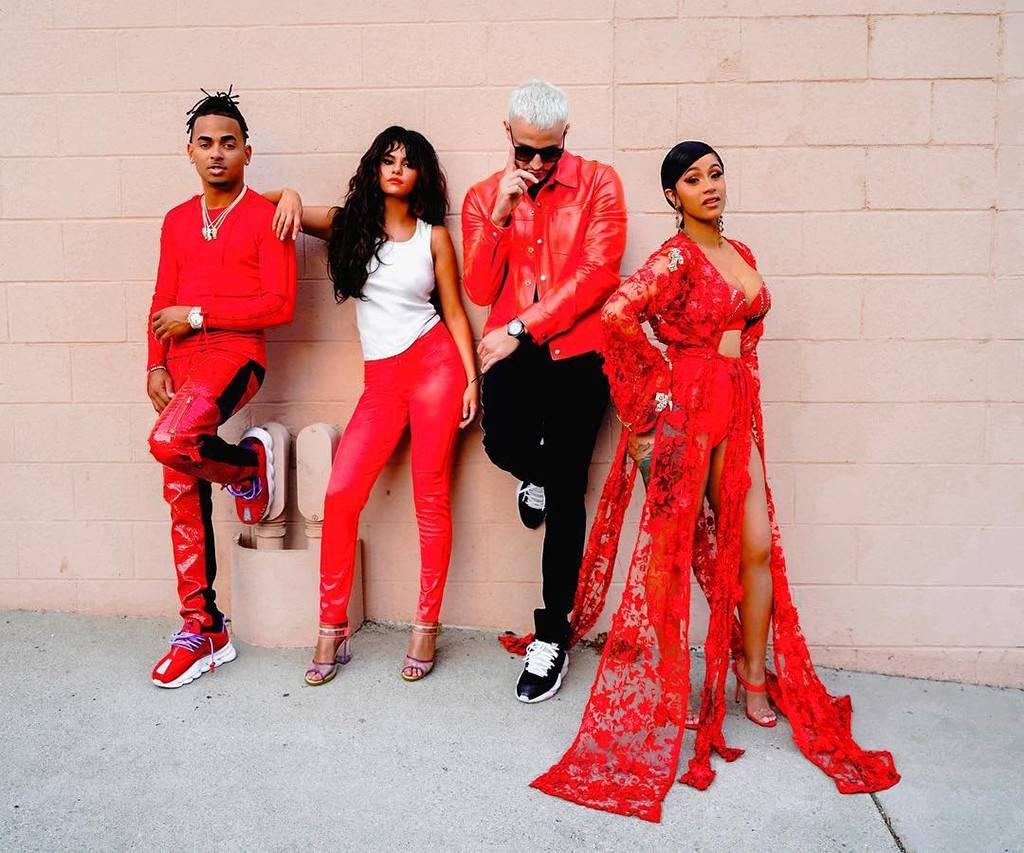 Photo of DJ Snake, Ozuna, Selena Gómez y Cardi B estrenan el vídeo oficial de 'Taki Taki'