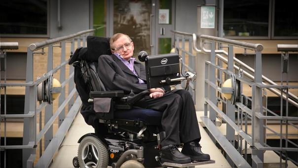 Photo of Fue subastada la silla de ruedas de Stephen Hawking