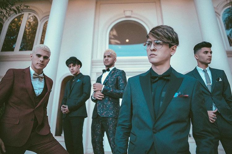 Photo of CNCO estrena el Remix de 'Hey Dj'