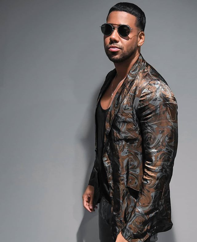 Photo of Romeo Santos hizo baile sexy en su avión privado